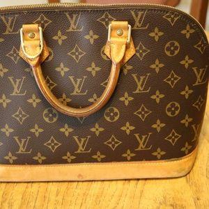 Louis Vuitton Bags - Authentic Louis Vuitton Alma Handbag